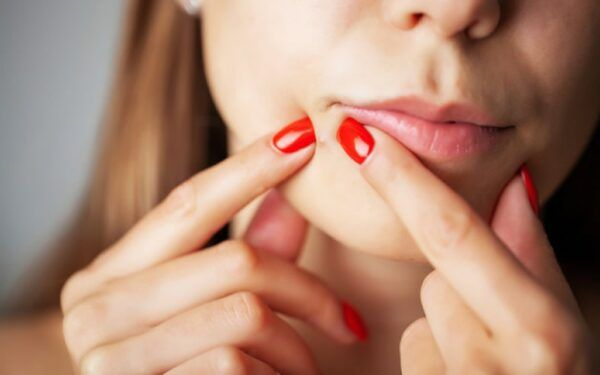 Espinha Interna – o Que é, Causas, Remédios e Dicas de Prevenção