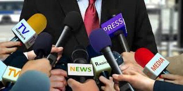 Qual é a principal finalidade de uma assessoria de imprensa?